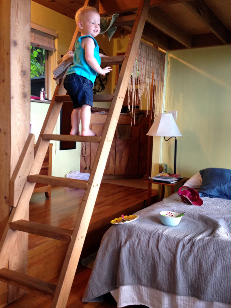 treehouse-bungalow-interior