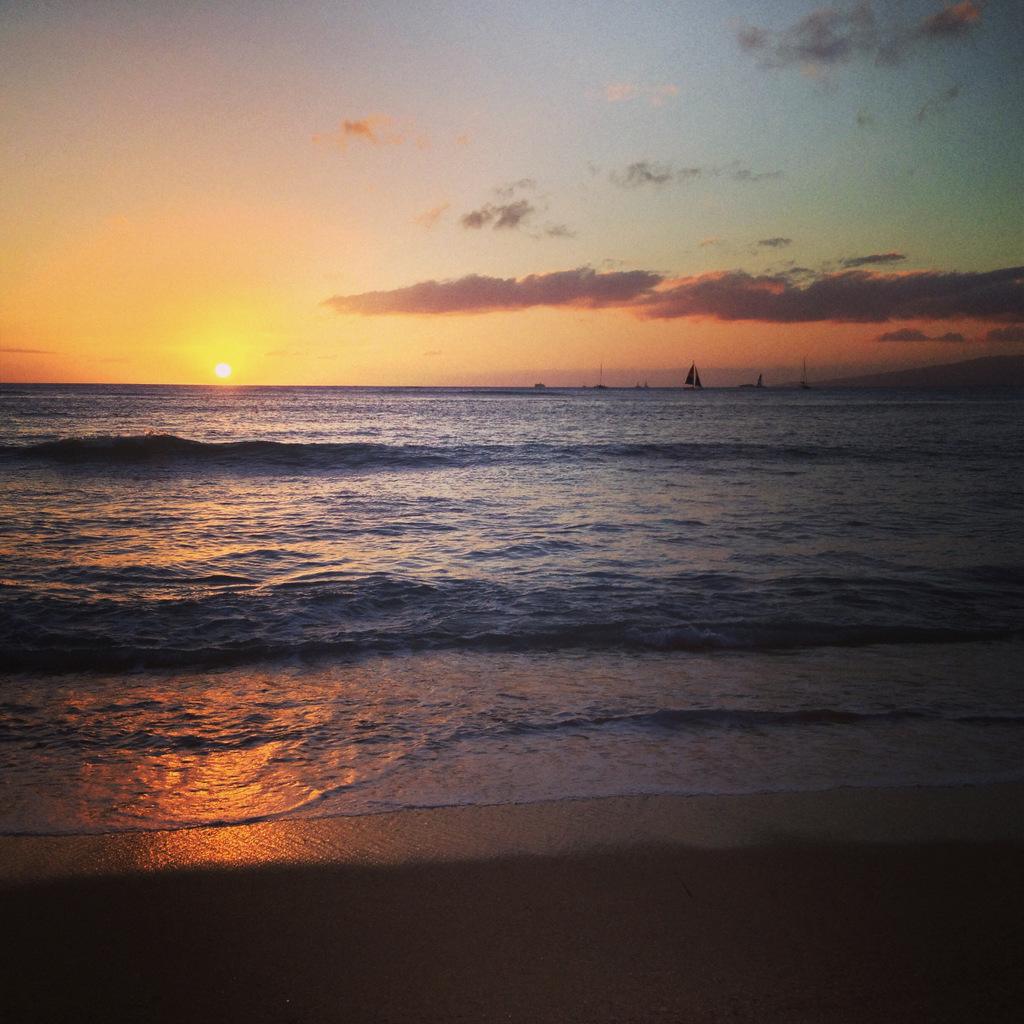 waikiki-beach-sunset